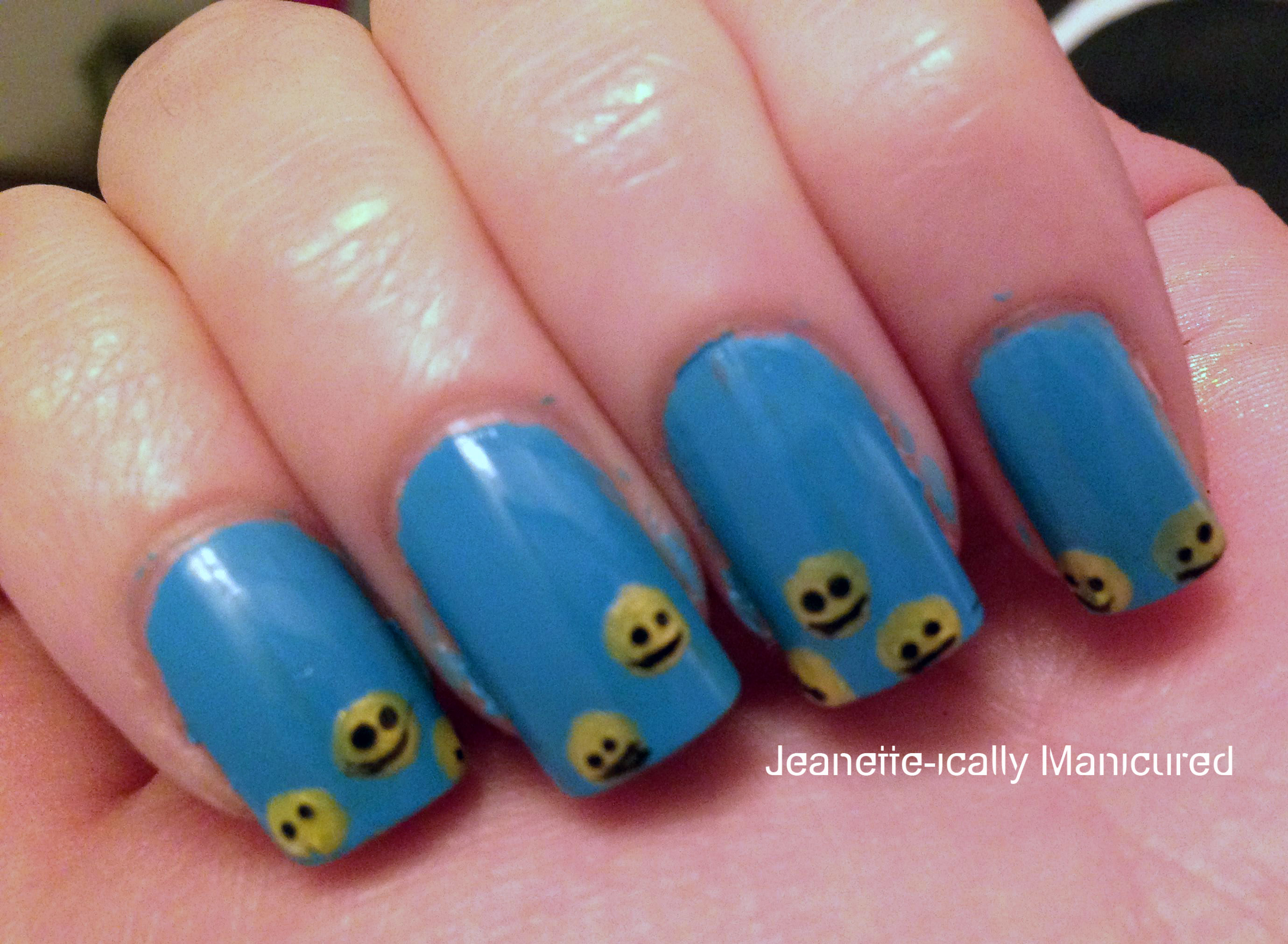 Smiley-face-manicure